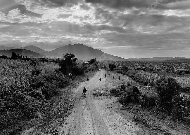 The road from the capitol Addis-Abeba to Kibish, Omo River Basin, Ethiopia, 2003-2004