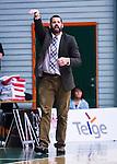 S&ouml;dert&auml;lje 2014-04-26 Basket SM-final S&ouml;dert&auml;lje Kings - Norrk&ouml;ping Dolphins :  <br /> Norrk&ouml;ping Dolphins tr&auml;nare coach Paul Burke gestikuelrar<br /> (Foto: Kenta J&ouml;nsson) Nyckelord:  S&ouml;dert&auml;lje Kings SBBK Norrk&ouml;ping Dolphins SM-final Final T&auml;ljehallen portr&auml;tt portrait