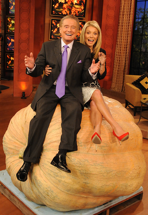 "Regis Philbin and Kelly Ripa are pictured during the production of ""Live! with Regis and Kelly"" in New York on Thursday, October 21, 2010..Photo: David M. Russell/Disney-ABC"