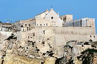 Italia, Isole Tremiti.<br /> Isola di San Nicola, la fortezza.<br /> Italy, Tremiti islands.<br /> San Nicola island, the fortress.