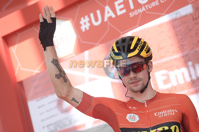 Race leader Primoz Roglic (SLO) Team Jumbo-Visma at sign on before the start of Stage 3 of the 2019 UAE Tour, running 179km form Al Ain to Jebel Hafeet, Abu Dhabi, United Arab Emirates. 26th February 2019.<br /> Picture: LaPresse/Fabio Ferrari | Cyclefile<br /> <br /> <br /> All photos usage must carry mandatory copyright credit (© Cyclefile | LaPresse/Fabio Ferrari)