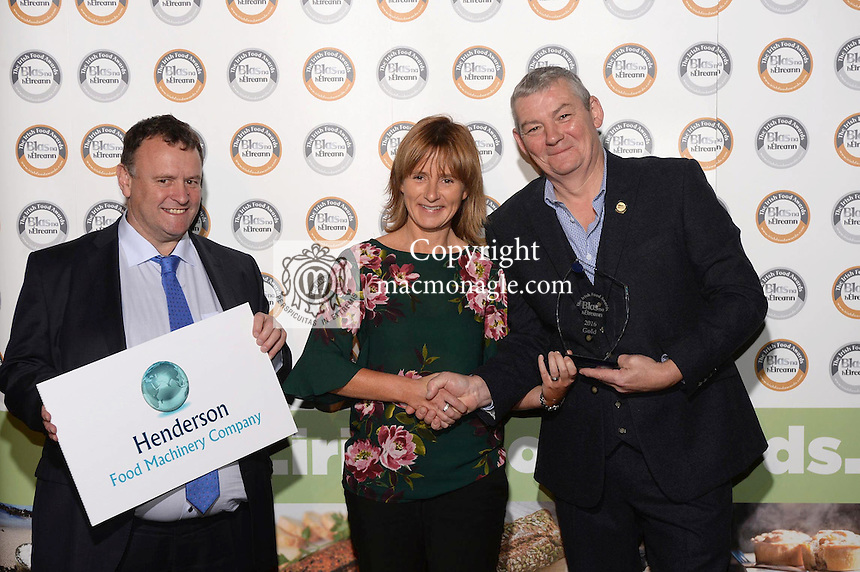 Helen Doran, Arthur Mallon Foods Monaghan with Artie Clifford, Chairman and David Henderson, Henderson Food Machinery at the Blas na hEireann / Irish Food Awards in Dingle at the weekend.<br /> Photo: Don MacMonagle<br /> <br /> REPRO FREE PHOTO WITH BLAS NA HEIREANN<br /> further info: Barbara Collins - collib40@googlemail.com