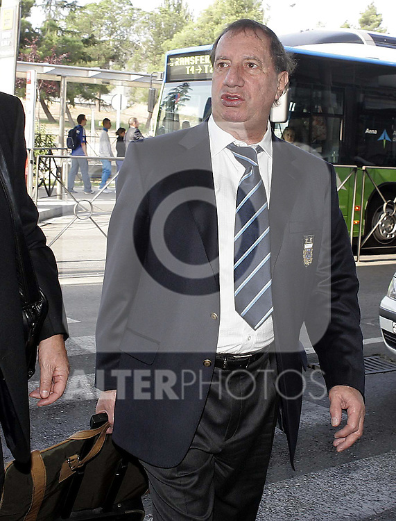 Argentina's Technical Secretary Carlos Salvador Bilardo during meeting in the Airport of Barajas in Madrid. August 10 2009. (ALTERPHOTOS/Acero).