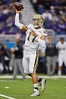 UCLA quarterback Brett Hundley (17) warms up before Alamo Bowl kickoff, Friday, January 02, 2015 in San Antonio, Tex. (Mo Khursheed/TFV Media via AP Images)
