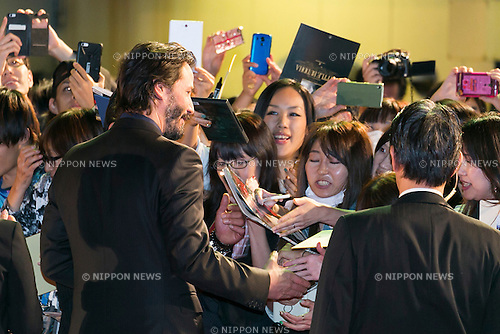 Canadian actor Keanu Reeves signs autographs for fans during the Japanese premiere for the film John Wick on September 30, 2015, Tokyo, Japan. The movie will be released in Japanese theatres on October 16. (Photo by Rodrigo Reyes Marin/AFLO)