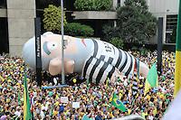 SÃO PAULO,SP, 13.03.2016 - PROTESTO-SÃO PAULO - Milhares de pessoas participaram da manifestação realizada na Avenida Paulista, em São Paulo, contra o Governo Dilma Rousseff, neste domingo (13), pedindo o impeachment da presidente petista e o fim da corrupção. (Foto: Paulo Guereta/Brazil Photo Press)