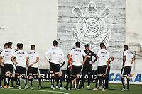 SÃO PAULO, SP, 14.08.2015 - FUTEBOL-CORINTHIANS -Jogadores do Corinthians durante sessão de treinamento no Centro de Treinamento Joaquim Grava na região leste de São Paulo nesta sexta-feira, 14. (Foto: Marcos Moraes / Brazil Photo Press)