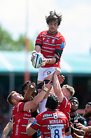 Franco Mostert of Gloucester Rugby wins the ball at a lineout. Gallagher Premiership Semi Final, between Saracens and Gloucester Rugby on May 25, 2019 at Allianz Park in London, England. Photo by: Patrick Khachfe / JMP