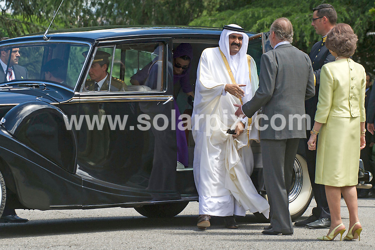**ALL ROUND PICTURES FROM SOLARPIX.COM**                                             **WORLDWIDE SYNDICATION RIGHTS EXCEPT SPAIN - NO SYNDICATION IN SPAIN**                                                                                  Caption: The Spanish royal family - King Juan Carlos, Queen Sofia, Prince Felipe, Princess Letizia and Princess Cristina - have lunch with the Emir of Qatar Sheikh Hamad bin Khalifa Al Thani, and one of his 4 wives - Jaquesa Mozah Bint Nassar. Zarzuela Palace, Madrid, Spain. 25 April 2011.                                                                              This pic: King Juan Carlos, Queen Sofia, Emir of Qatar                                                                                             JOB REF: 13192 DMS       DATE: 25_04_2011                                                            **MUST CREDIT SOLARPIX.COM OR DOUBLE FEE WILL BE CHARGED**                                                                      **MUST AGREE FEE BEFORE ONLINE USAGE**                               **CALL US ON: +34 952 811 768 or LOW RATE FROM UK 0844 617 7637**