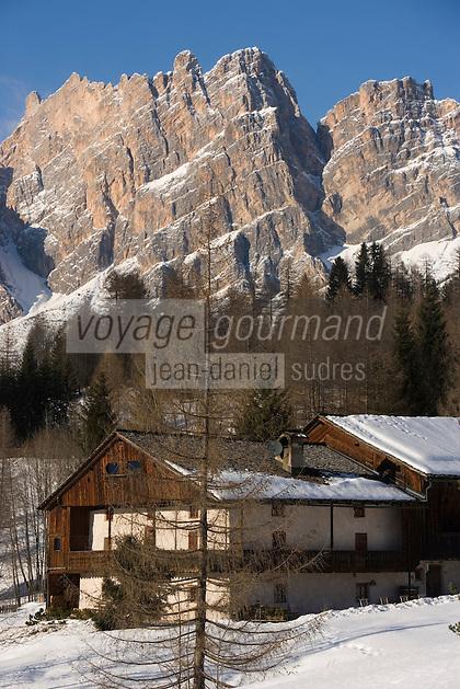 Europe/Italie/Vénétie/Dolomites/Cortina d'Ampezzo: Chalet et Massif des Dolomites