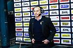 Stockholm 2014-01-18 Ishockey SHL AIK - F&auml;rjestads BK :  <br /> AIK:s tr&auml;nare Rikard Franz&eacute;n intervjuas i TV efter matchen<br /> (Foto: Kenta J&ouml;nsson) Nyckelord:  tr&auml;nare manager coach