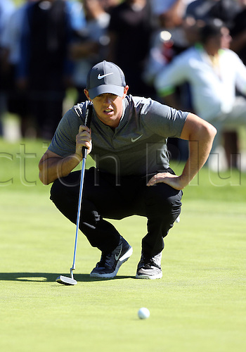 21.02.2016. Pacific Palisades, California, USA.  Rory McIlroy measures his putt during the fourth round of the Northern Trust Open at Riviera Country Club in Pacific Palisades, CA.
