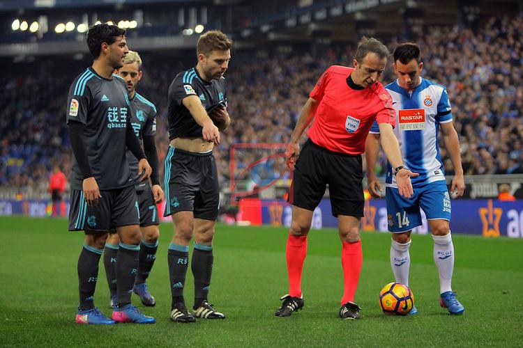 League Santander 2016/2017. Game: 22.<br /> RCD Espanyol vs Real Sociedad: 1-2.<br /> Carlos Vela, Zurutuza, Ilarra, Fernandez Borbalan &amp; Jurado.