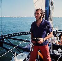 Alain Colas sur Manureva, ex-Pen Duick IV.