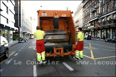 Genève, le 16.06.2005.Voirie ville de Genève, ramassage du papier et carton..© Le Courrier / J.-P. Di Silvestro