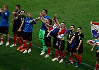 MOSCU - RUSIA, 11-07-2018: Jugadores de Croacia celebran su paso a la final después del partido de Semifinales entre Croacia y Inglaterra por la Copa Mundial de la FIFA Rusia 2018 jugado en el estadio Luzhnikí en Moscú, Rusia. / Players of Croatia celebrate their pass to the final after the match between Croatia and England of Semi-finals for the FIFA World Cup Russia 2018 played at Luzhniki Stadium in Moscow, Russia. Photo: VizzorImage / Julian Medina / Cont