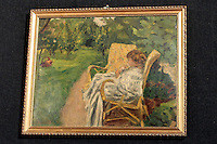 (Frutta su un tavolo o natura morta o piccolo cagnolino) ed a Pierre Bonnard (Fanciulla seduta in giardino)<br /> Pierre Bonnard &quot;La femme aux deux flauteuils, Girl in a garden&quot;<br /> <br /> Roma 02-04-2014 Sede del MIBAC, Ministero per i Beni e le Attivita' Culturali. Presentazione alla stampa in occasione del ritrovamento di due quadri attribuiti a Paul Gauguin (Frutta su un tavolo o natura morta o piccolo cagnolino) ed a Pierre Bonnard (Fanciulla seduta in giardino), scomparsi n circostanze diverse gli anni '60 e comprati ad un asta delle Ferrovie dello Stato da un operaio per la modesta cifra di &pound; 45.000. <br /> Press conference to present two paintings recovered after they were stolen during the '60s. The two paintings, Paul Gaugain's &quot;Fruits sur une table ou nature au petit chen, Fruits on the table, or still life, or little dog&quot; and Pierre Bonnard &quot;La femme aux deux flauteuils, Girl in a garden&quot; were bought by a man at a auction of the italian Railway Company on 1975 for 45.000 liras (23 Euros). <br /> Photo Samantha Zucchi Insidefoto
