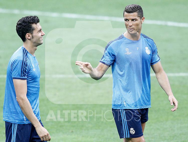 Real Madrid's Cristiano Ronaldo (r) and Alvaro Arbeloa during Champions League 2015/2016 training session. May 27,2016. (ALTERPHOTOS/Acero)