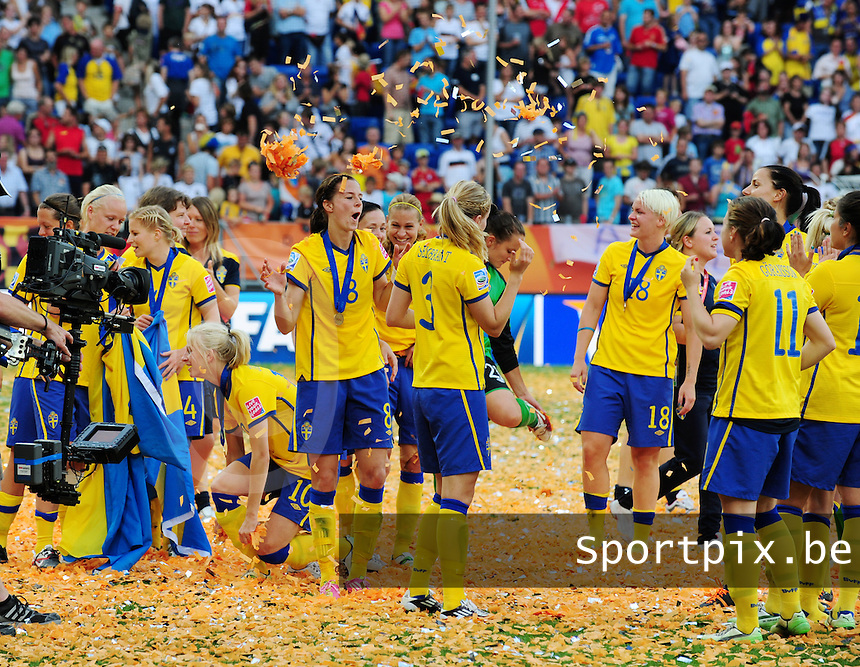 Fifa Women's World Cup Germany 2011 : France - Sweden  at Sinsheim : vreugdedansjes bij de Zweedse ploeg.foto DAVID CATRY / Vrouwenteam.be