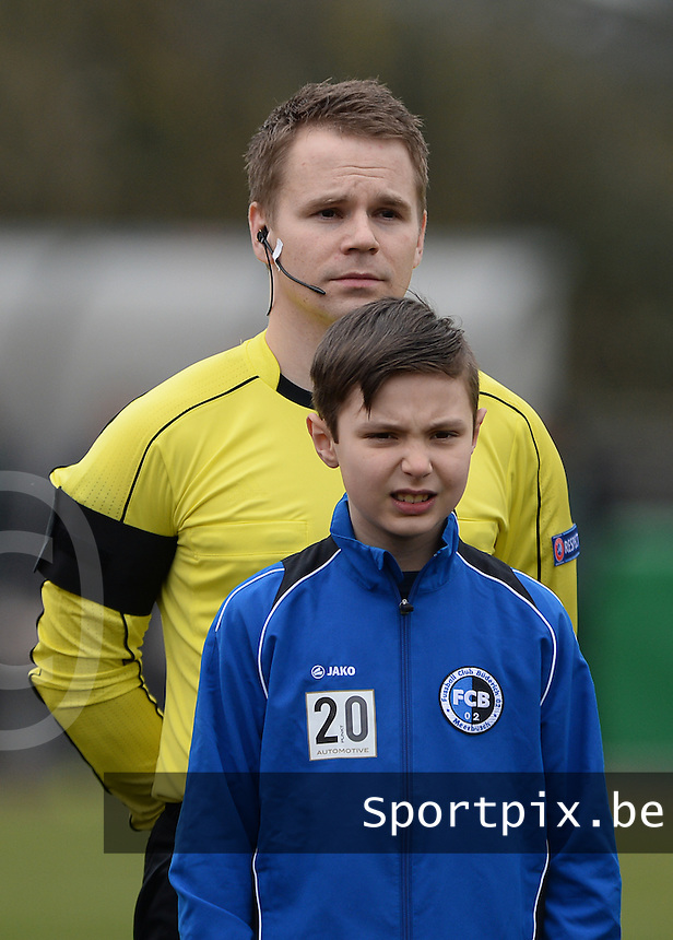 20160324 - Buderich , GERMANY : assistant referee Geir Isaksen pictured during the soccer match between the under 17 teams of The Netherlands and Bulgaria , on the first matchday in group 4 of the UEFA Under17 Elite rounds in Buderich , Germany. Thursday 24th March 2016 . PHOTO DAVID CATRY