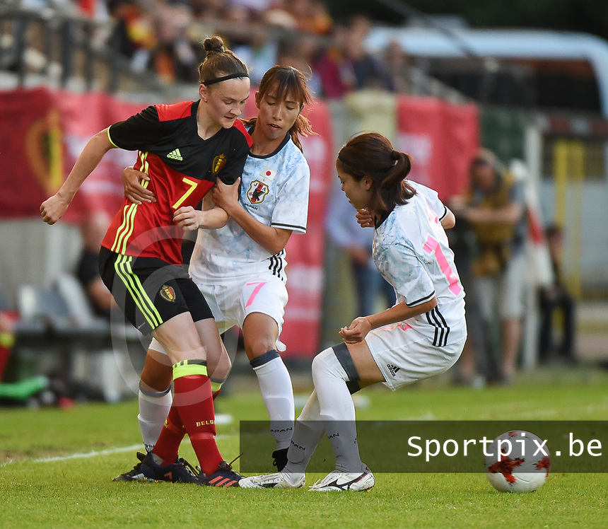 20170613 - LEUVEN ,  BELGIUM : Belgian Elke Van Gorp (L) and Japanese Emi Nakajima (M) pictured during the female soccer game between the Belgian Red Flames and Japan , a friendly game before the European Championship in The Netherlands 2017  , Tuesday 13 th Juin 2017 at Stadion Den Dreef  in Leuven , Belgium. PHOTO SPORTPIX.BE | DIRK VUYLSTEKE