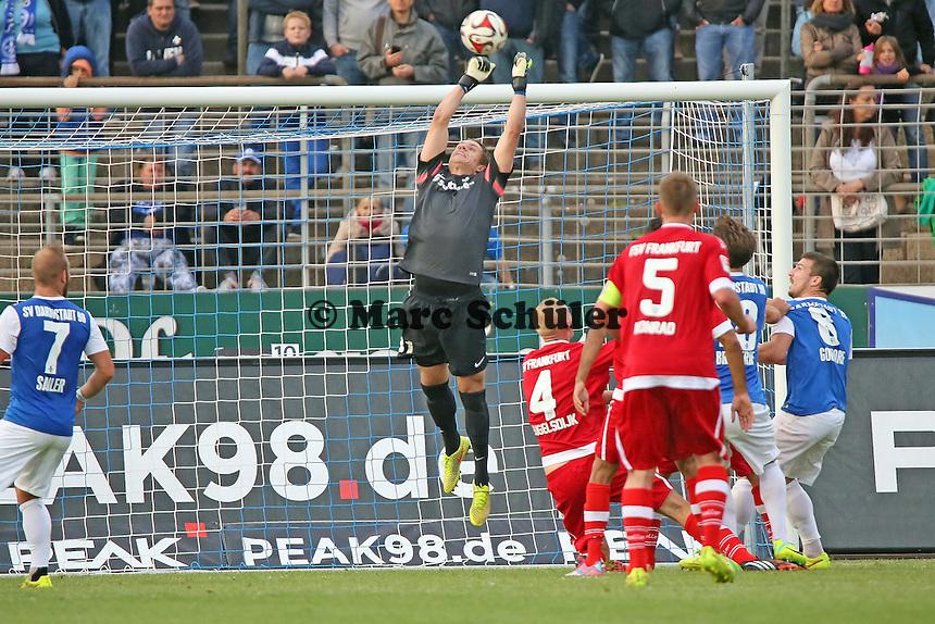 Christian Mathenia (SV 98) faustet - SV Darmstadt 98 vs. FSV Frankfurt, Stadion am Boellenfalltor