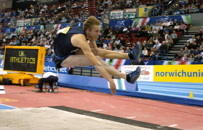 Photo: Richard Lane..Norwich Union Indoor Grand Prix, Birmingham. 17/02/2007. .Great Britain's Chris Tomlinson in the men's long jump.