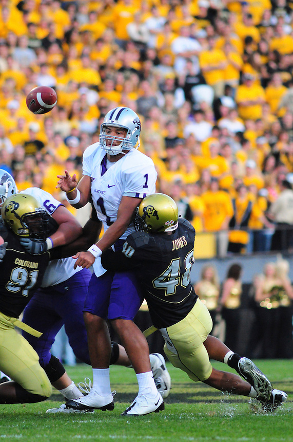 18 October 08: Kansas State quarterback Josh Freeman attempts a pass under pressure from Colorado outside linebacker Brad Jones (40). The Colorado Buffaloes defeated the Kansas State Wildcats 14-13 at Folsom Field in Boulder, Colorado.