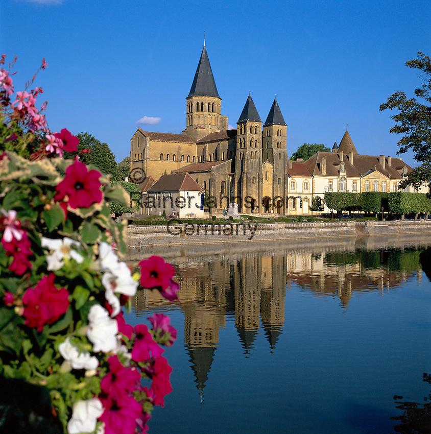 France, Burgundy, Saone & Loire, Paray-le-Monial, Basilique du Sacre-Coeur (late 11th century) | Frankreich, Burgund, Saone & Loire, Paray-le-Monial, Basilique du Sacre-Coeur (spaetes 11. Jh.)