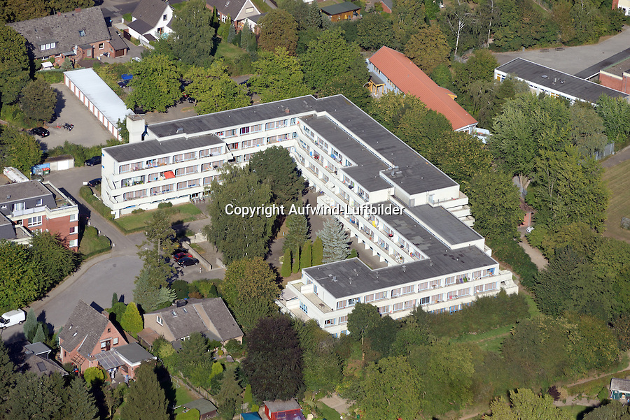 Billwerder Strasse Studentenheim und Asylantenunterkunft: EUROPA, DEUTSCHLAND, HAMBURG, BERGEDORD (EUROPE, GERMANY), 15.09.2016: Billwerder Strasse Studentenheim und Asylantenunterkunft