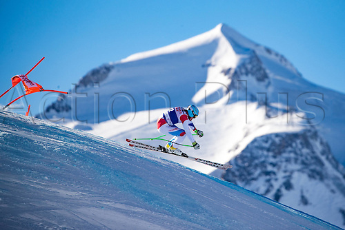 01.12.2016, Val d Isere, France.  FIS World Cup Alpine skiing , Val d Isere, Training. Stefan Rogentin (SUI) in action during the 2nd practice run