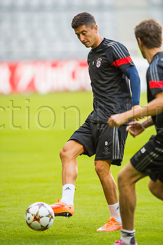16.09.2014. Munich, Germany.  Munich's Robert Lewandowski during a training session in Munich, Germany, 16th September 2014. FC Bayern Munich will play Manchester City in the group phase of the UEFA Champions League on 17th September 2014.