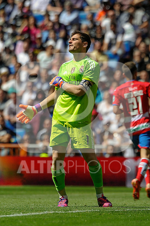Real Madrid´s goalkeeper Iker Casillas regrets after a goal during 2014-15 La Liga match between Real Madrid and Granada at Santiago Bernabeu stadium in Madrid, Spain. April 05, 2015. (ALTERPHOTOS/Luis Fernandez)