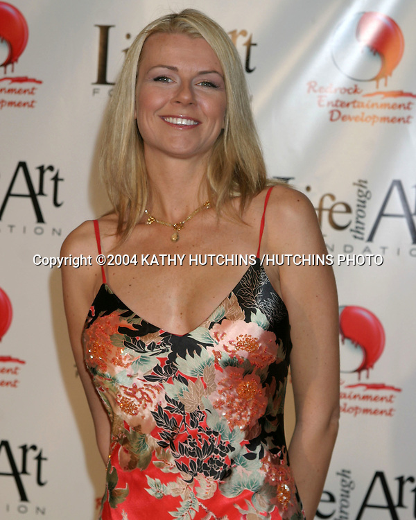 """©2004 KATHY HUTCHINS /HUTCHINS PHOTO.RED PARTY BENEFITING THE """"LIFE THROUGH ART"""" FOUNDATION.LOS ANGELES, CA.DECEMBER 4, 2004..PAMELA DAY."""