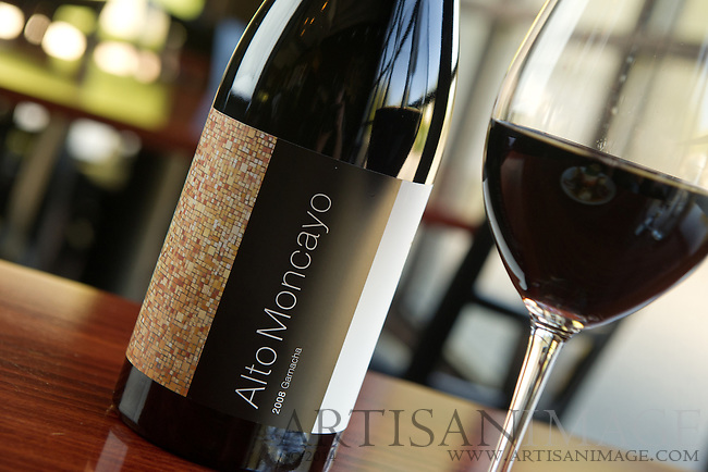 1618 Seafood Grill - Alto Moncayo is one of the many wine selections. (Photo/Artisan Image, Inc.)