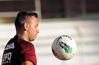 SÃO PAULO, SP, 04 DE JUNHO DE 2013 - ESPORTES - FUTEBOL - TREINO DA PORTUGUESA - Cañete,  Durante treino no Canindé, preparação para partida entre a equipe do Internacional  (RS), FOTOS: DORIVAL ROSA/ BRAZIL PHOTO PRESS