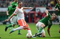 FUSSBALL   1. BUNDESLIGA  SAISON 2012/2013   6. Spieltag   SV Werder Bremen - FC Bayern Muenchen          29.09.2012 Franck Ribery (li, FC Bayern Muenchen) gegen Clemens Fritz (re, SV Werder Bremen)
