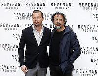 L'attore statunitense Leonardo DiCaprio e il regista messicano Alejandro Gonzalez Inarritu posano durante un photocall per la presentazione del film 'Revenant - Redivivo' a Roma, 16 gennaio 2016.<br /> U.S. actor Leonardo DiCaprio, left, and Mexican director Alejandro Gonzalez Inarritu pose during a photo call to present the movie 'The Revenant' in Rome, 16 January 2016.<br /> UPDATE IMAGES PRESS/Isabella Bonotto