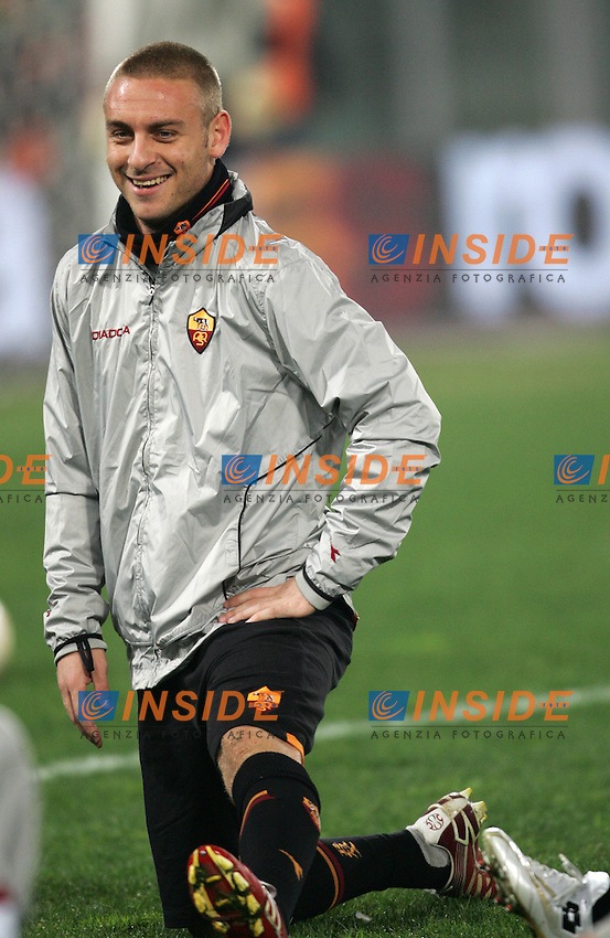Daniele De Rossi (Roma)<br /> Italian &quot;Serie A&quot; 2006-07<br /> 17 Dic 2006 (Match Day 16)<br /> Roma-Palermo (4-0)<br /> &quot;Olimpico&quot; Stadium-Roma-Italy<br /> Photographer Andrea Staccioli INSIDE