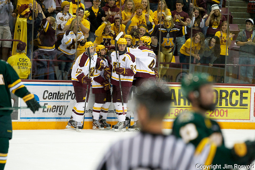 21 Oct 11: Minnesota jubo) The University of Minnesota Golden Gophers host the University of Vermont Catamounts in a non-conference matchup at Mariucci Arena in Minneapolis, MN.