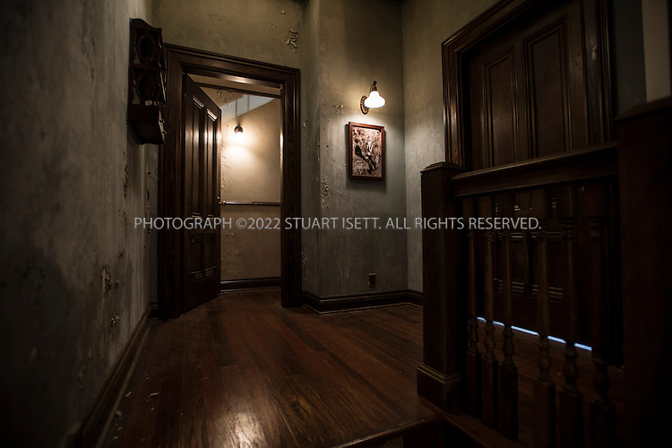 Bates motel a e seattle photographer stuart isett for Norman bates house floor plan