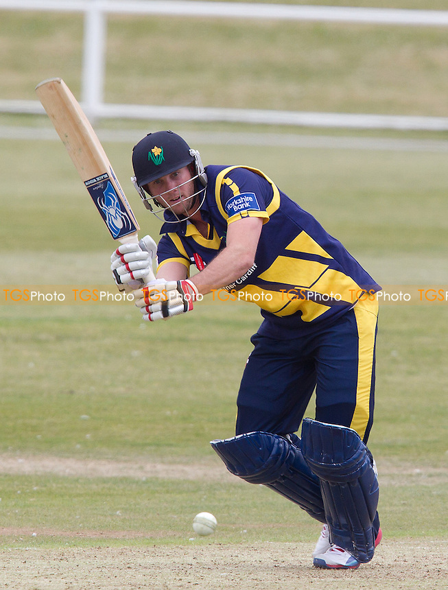 Chris Cooke, Glamorgan CCC pushes to mid wicket on his way to 98 versus the Unicorns - Unicorns vs Glamorgan CCC - Yorkshire Bank YB40 Cricket at Garon Park, Southend-on-Sea - 09/06/13 - MANDATORY CREDIT: Ray Lawrence/TGSPHOTO - Self billing applies where appropriate - 0845 094 6026 - contact@tgsphoto.co.uk - NO UNPAID USE