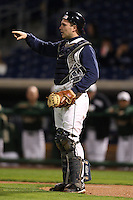 February 27, 2010:  Catcher Aaron Johnson (7) of the Illinois Fighting Illini during the Big East/Big 10 Challenge at Bright House Field in Clearwater, FL.  Photo By Mike Janes/Four Seam Images