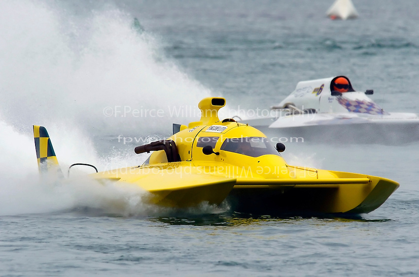 """Ping Conflitti, UL-59(Unlimited Light hydroplane(s) and Marty Wolfe, NM-6 """"Summer Wine"""" (National Mod hydroplane(s)"""