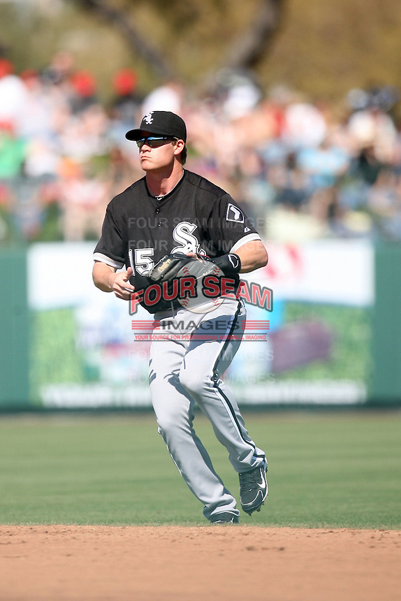 Gordon Beckham, Chicago White Sox 2010 spring training..Photo by:  Bill Mitchell/Four Seam Images.