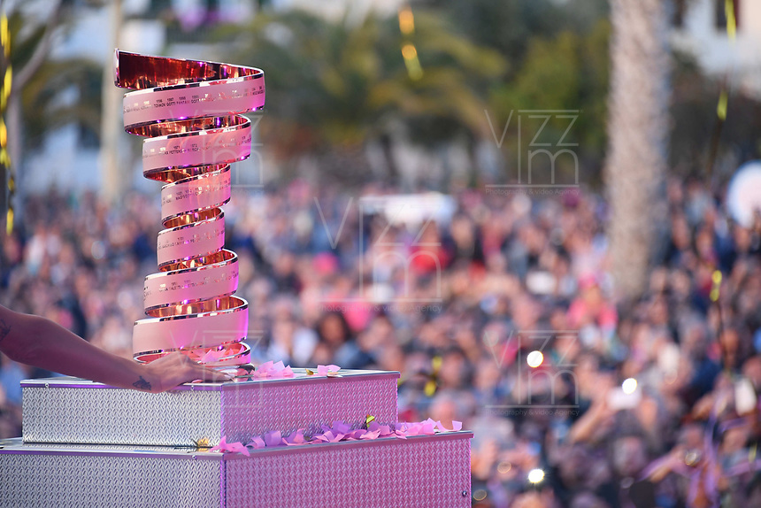 ITALIA. 04-05-2017. Presentación del trofeo de la versión 100 del Giro de Italia hoy 04 de mayo de 2017. / launch of the trophy of the 100 version of the Giro d'Italia today 04 May 2017 Photo: VizzorImage / Gian Mattia D'Alberto / LaPresse<br /> VizzorImage PROVIDES THE ACCESS TO THIS PHOTOGRAPH ONLY AS A PRESS AND EDITORIAL SERVICE AND NOT IS THE OWNER OF COPYRIGHT; ANOTHER USE HAVE ADDITIONAL PERMITS AND IS  REPONSABILITY OF THE END USER