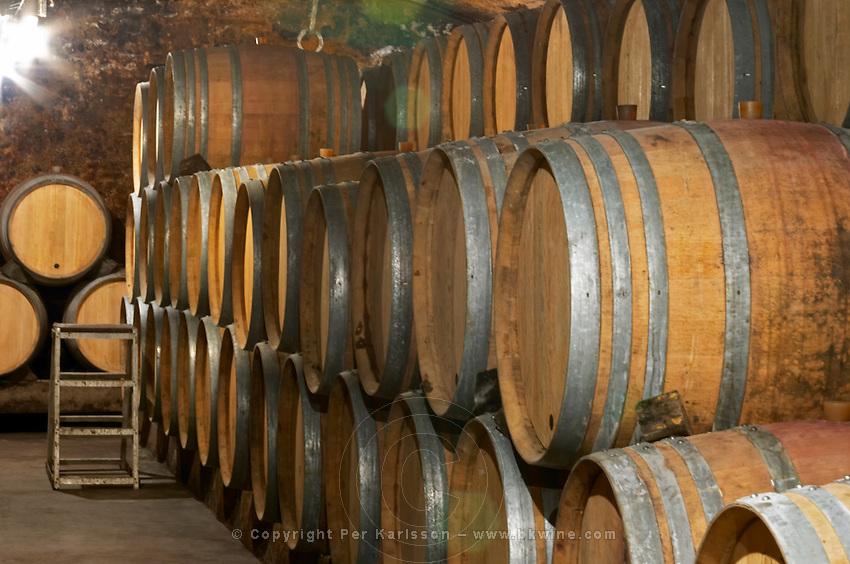 barrel aging cellar domaine gros f & s vosne-romanee cote de nuits burgundy france