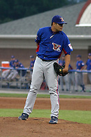 August 15, 2003:  Warnar Gomez of the Vermont Expos during a game at Dwyer Stadium in Batavia, New York.  Photo by:  Mike Janes/Four Seam Images