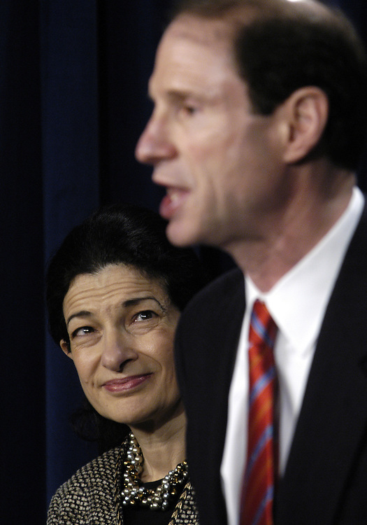"""Sen. Olympia Snowe, R-Me., and Sen. Ron Wyden, D-Or., at a press conference about the legislation they are intorducing, the MEND Act, which would allow for cheaper prescription drugs and """"fix"""" the recent Medicare changes."""
