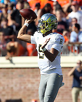 Oregon quarterback Marcus Mariota (8) Oregon defeated Virginia 59-10 Saturday at Scott Stadium in Charlottesville, VA. Photo/Andrew Shurtleff